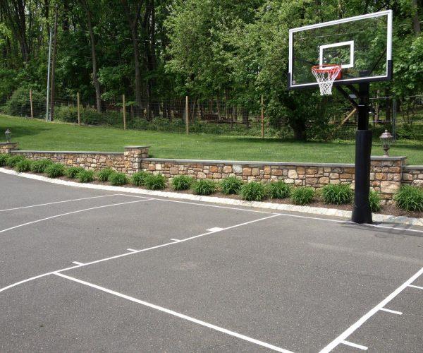 DeShayes-Dream-Courts-bernardsville_martin_basketball_driveway_court