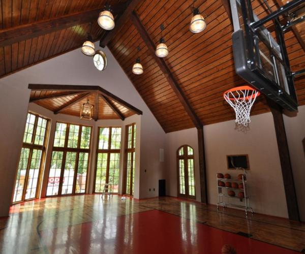 custom-indoor_basketball-court_Ocean-City-NJ-DeShayes-Dream-Courts