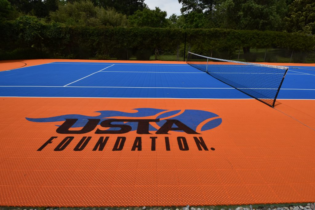20-year-old-tennis-court-after-logo-view_DeShayes-Dream-Courts