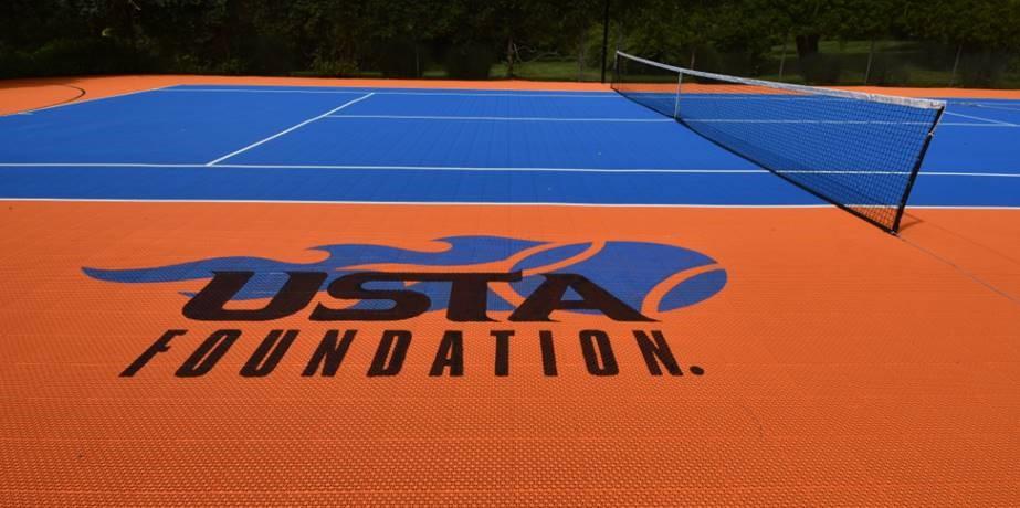 custom-logo-tennis-court-Deshayes-Dream-Courts