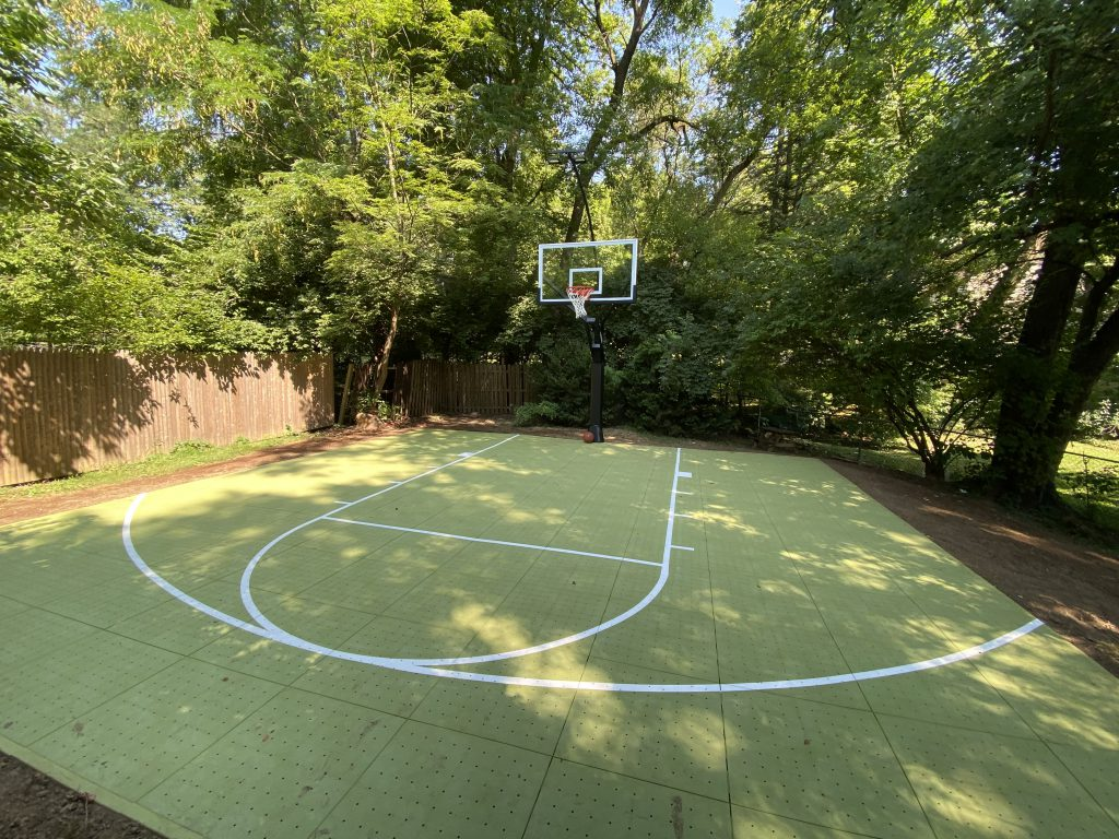 backyard-basketball-court-pervious-court-panels-DeShayes-Dream-Courts
